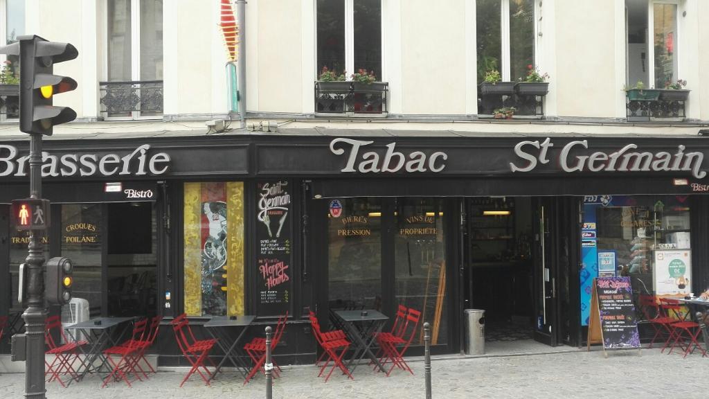 brasserie st germain restaurant 120 rue de bagnolet. Black Bedroom Furniture Sets. Home Design Ideas