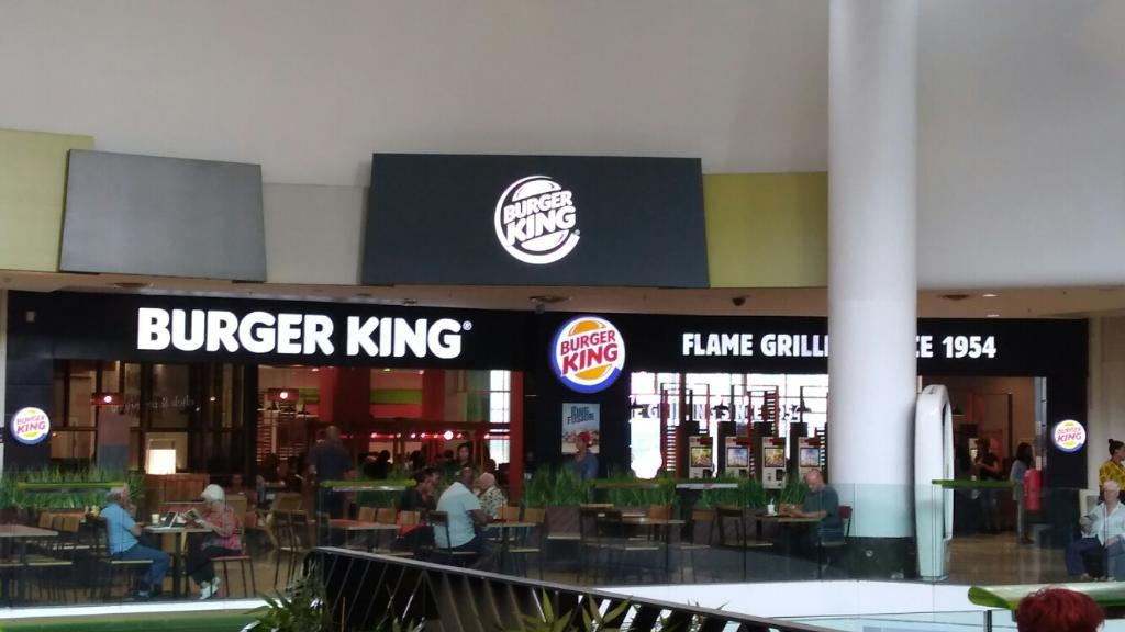 Burger king la d fense restaurant 15 le parvis de la d fense 92800 puteaux adresse horaire - Horaire castorama la defense ...