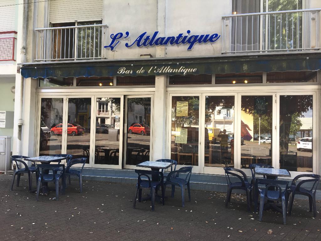 cafe de l atlantique caf bar 7 place de la rampe 44600 saint nazaire adresse horaire. Black Bedroom Furniture Sets. Home Design Ideas