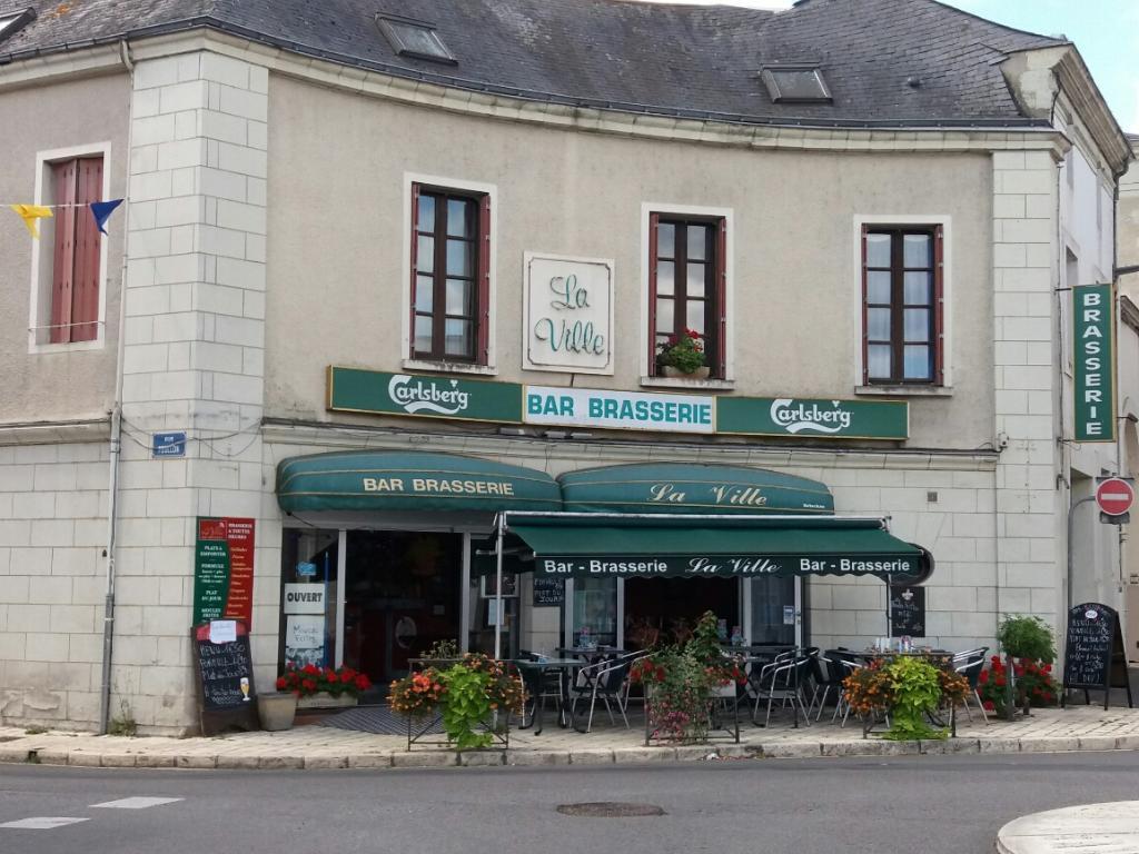 Cafe de la ville restaurant 2 rue foullon 49700 dou la - Horaire piscine fontaine d ouche ...