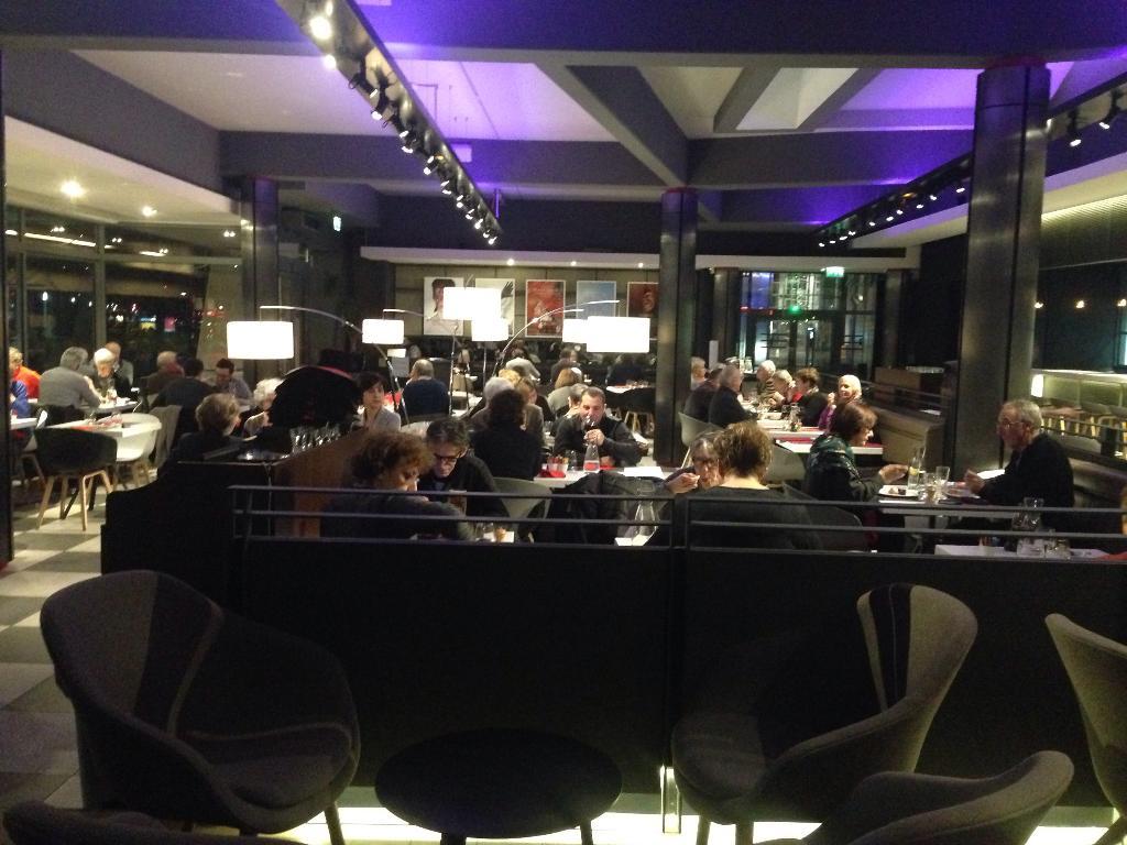 caf des concerts restaurant 213 avenue jean jaur s 75019 paris adresse horaire. Black Bedroom Furniture Sets. Home Design Ideas