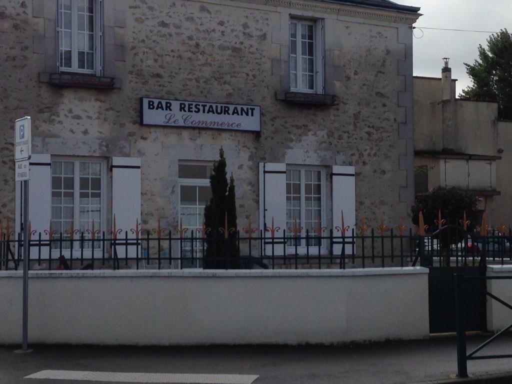 Caf du commerce restaurant 2 rue p pini res 41350 - Rue du commerce cuisine ...