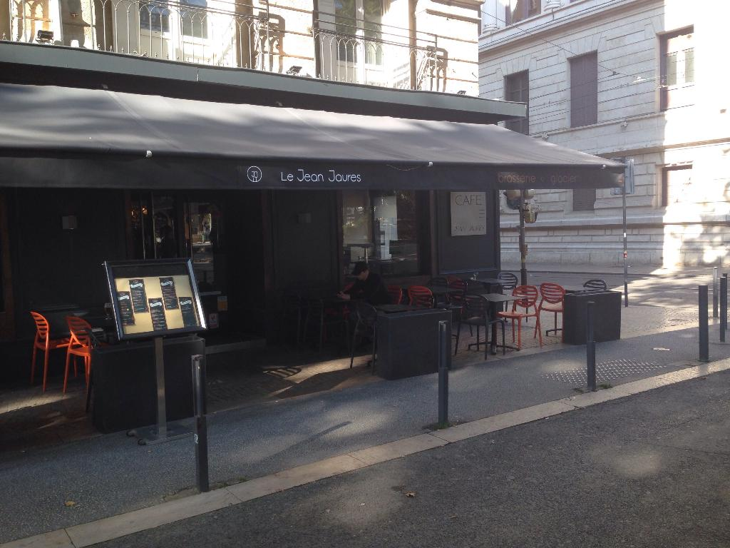 Caf jean jaur s caf bar 19 place jean jaur s 42000 for Bar a champagne saint etienne