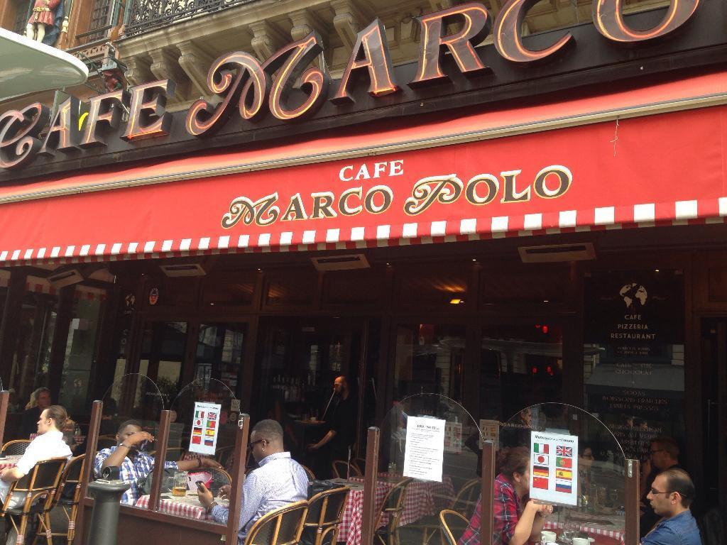 Le Cafe Du Coin Rue D Anjou Paris
