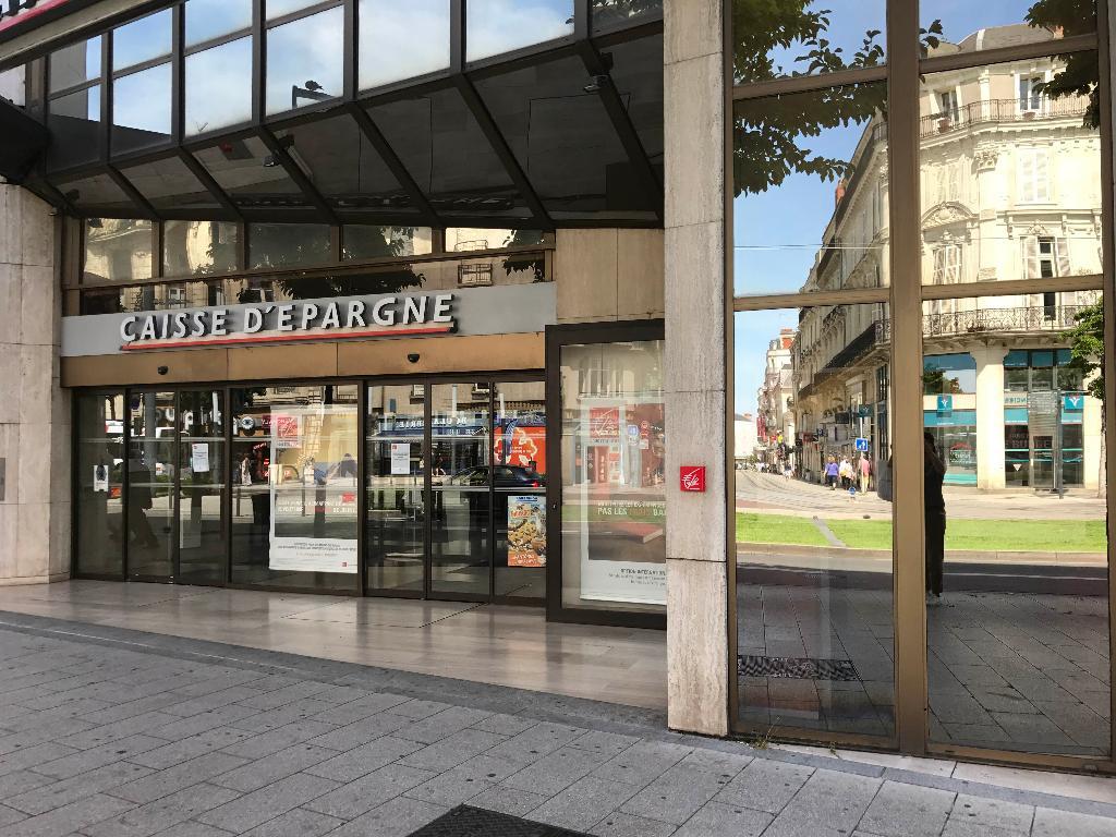 Caisse D Epargne Maine Et Loire Banque 5 Boulevard Du Marechal