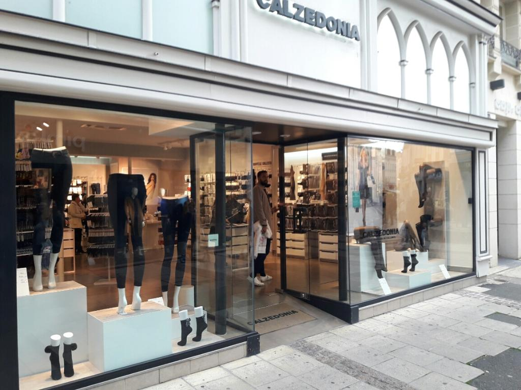 Calzedonia v tements femme 6 rue marceau 28000 chartres - Horaires piscine chartres ...