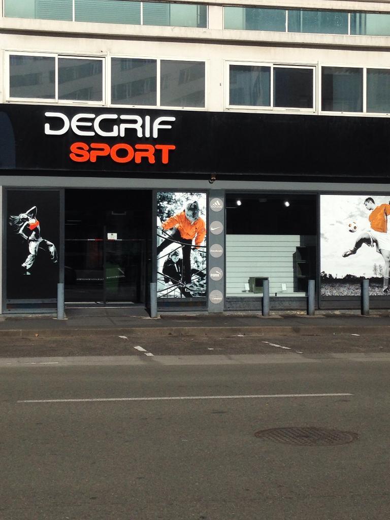 Cap g sport 2000 magasin de sport 55 rue bonnabaud 63000 clermont ferrand adresse horaire - Magasin de meuble clermont ferrand ...