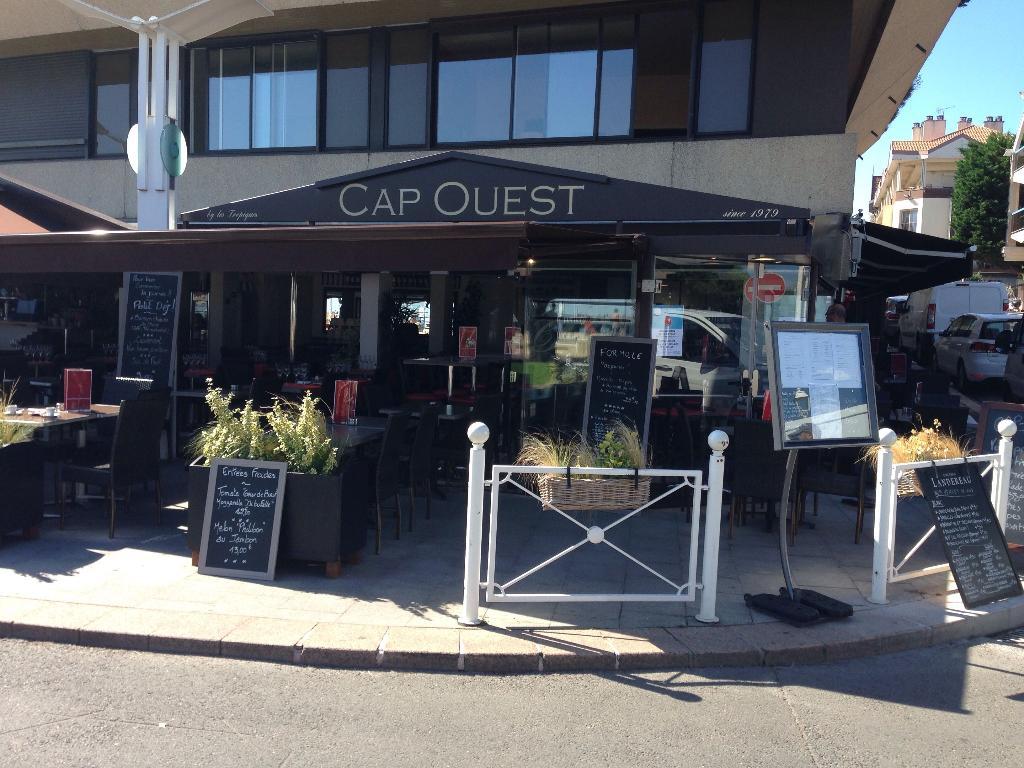 cap ouest restaurant 12 boulevard marcel gounouilhou 33120 arcachon adresse horaire. Black Bedroom Furniture Sets. Home Design Ideas