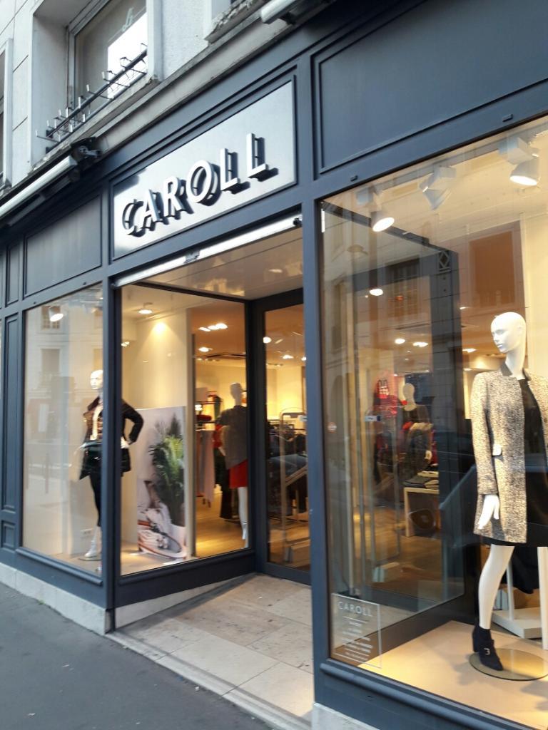 683450fba27 Caroll Boutique