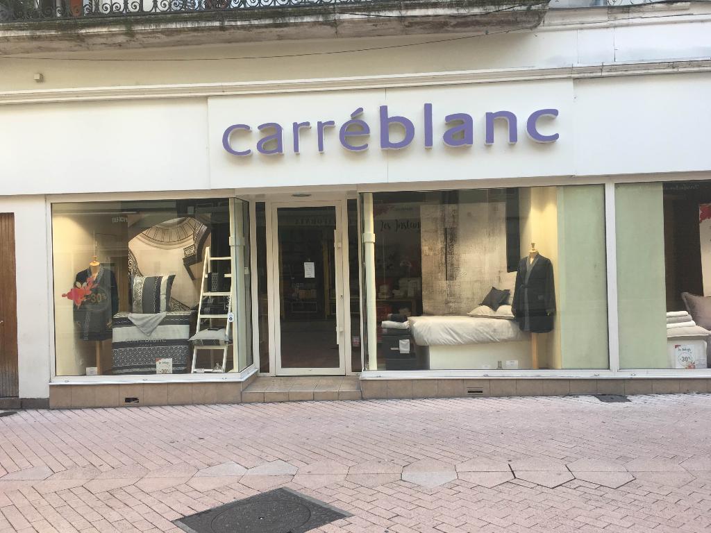 8ab3e0d1eba438 Carré Blanc, 14 r Poëliers, 49100 Angers - Linge de maison (adresse,  horaires)
