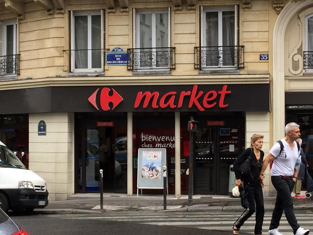 carrefour market supermarch hypermarch 33 rue de maubeuge 75009 paris adresse horaire. Black Bedroom Furniture Sets. Home Design Ideas