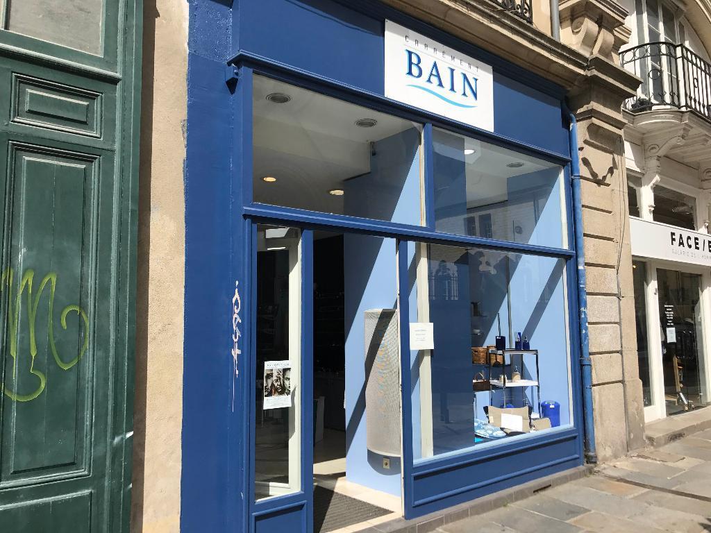 Plan Salle De Bain Baignoire Et Douche ~ carr ment bain quipements pour salles de bain 15 rue hoche 35000