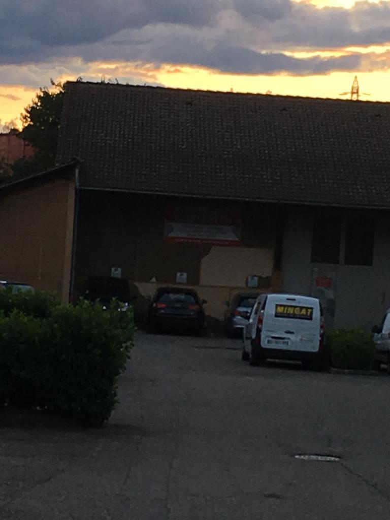 Carrosserie garibaldi garage automobile 34 rue charles for Garage hyundai saint fons
