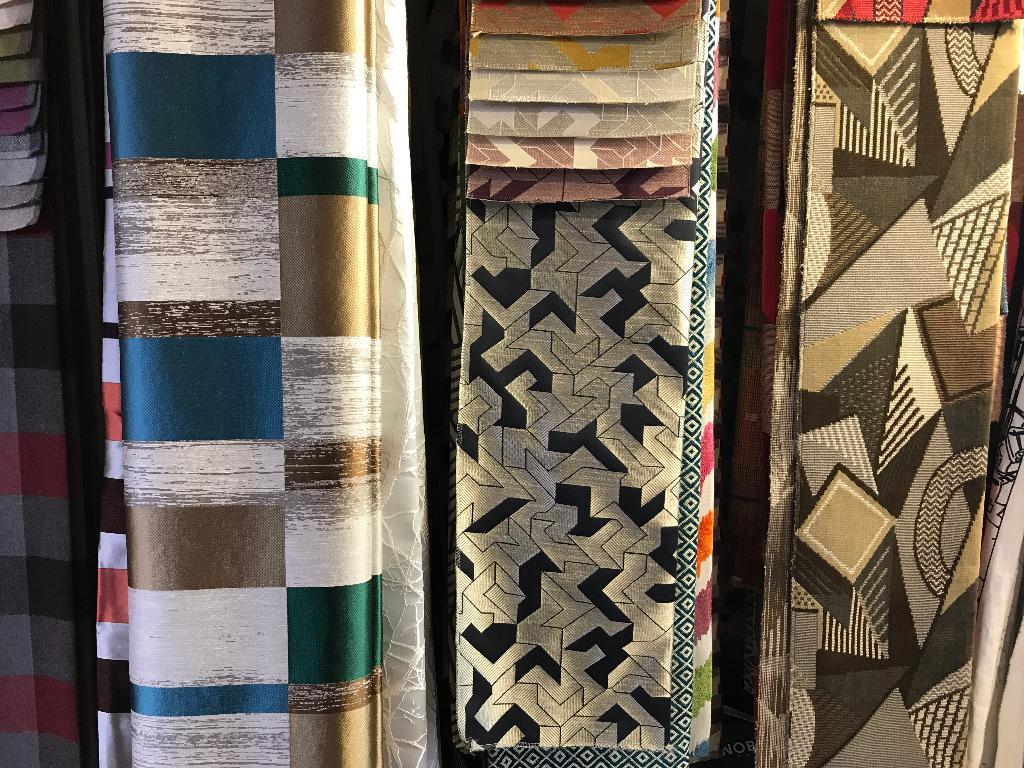 cavagnac gurvan tapissier d corateur 154 avenue de saint exup ry 31000 toulouse adresse. Black Bedroom Furniture Sets. Home Design Ideas