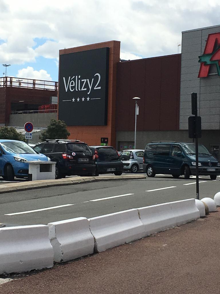 centre commercial velizy 2 centre commercial 2 avenue. Black Bedroom Furniture Sets. Home Design Ideas