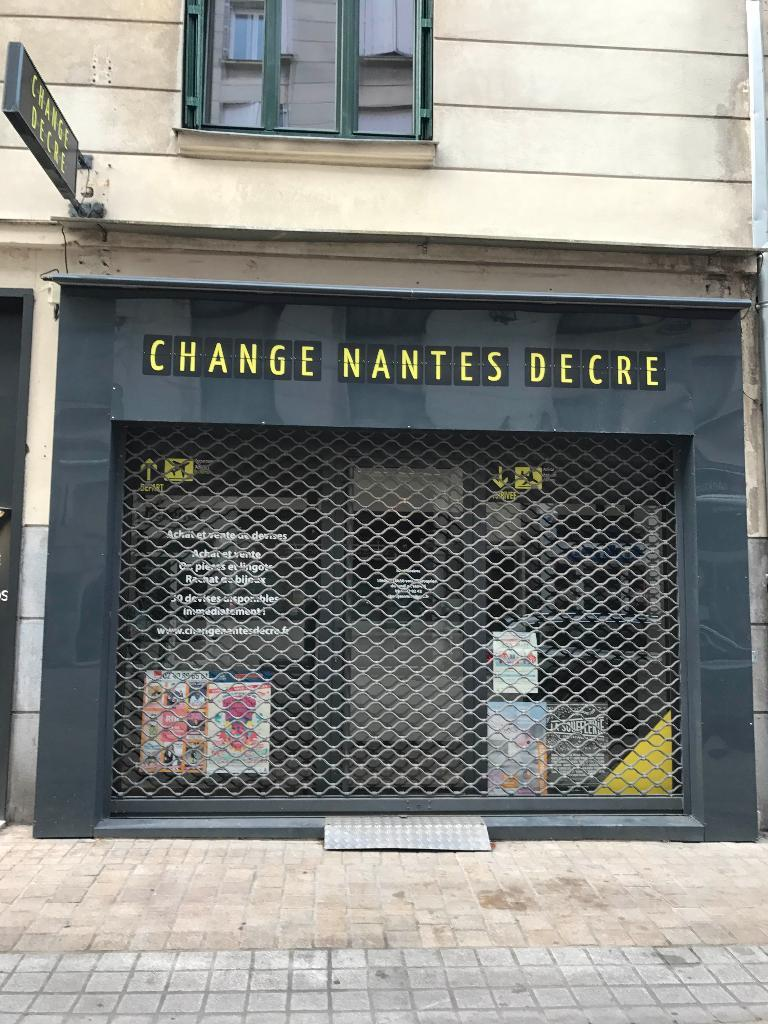 change nantes decr achat et vente d 39 or 11 rue des halles 44000 nantes adresse horaire. Black Bedroom Furniture Sets. Home Design Ideas