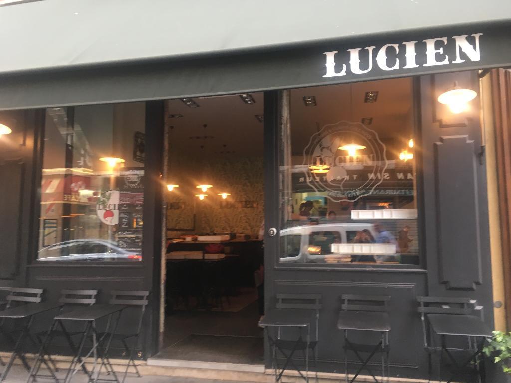 chez lucien restaurant 64 rue saint lazare 75009 paris. Black Bedroom Furniture Sets. Home Design Ideas
