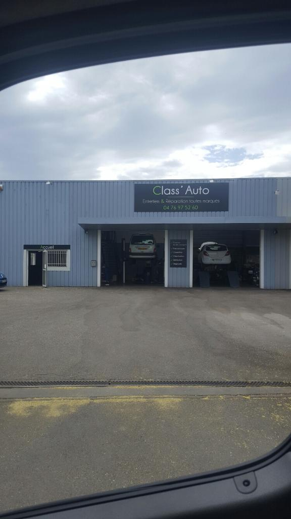 Class 39 auto garage automobile 270 rue sources 38920 for Garage class auto