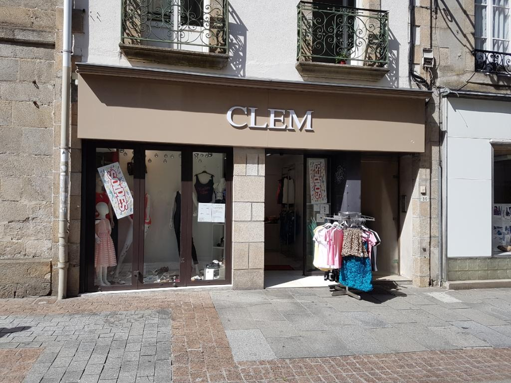 clem v tements femme 30 rue du chapeau rouge 29000 quimper adresse horaire. Black Bedroom Furniture Sets. Home Design Ideas