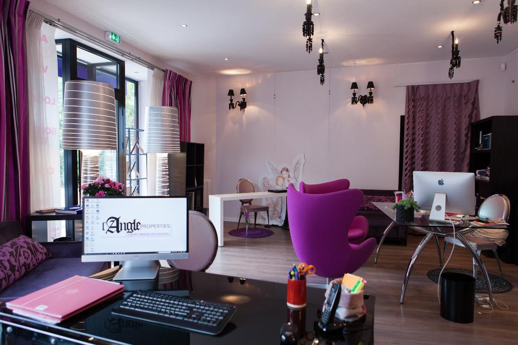 Angle properties agence immobili re 112 rue houdan for Agence immobiliere houdan