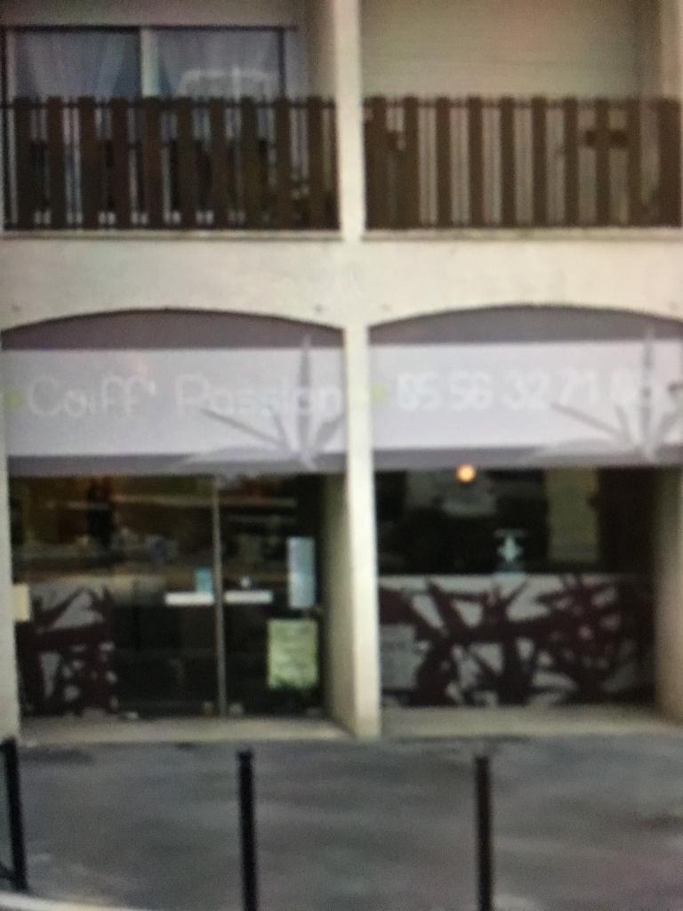 amelia coiffure coiffeur 227 rue de la benauge 33000 bordeaux adresse horaire. Black Bedroom Furniture Sets. Home Design Ideas