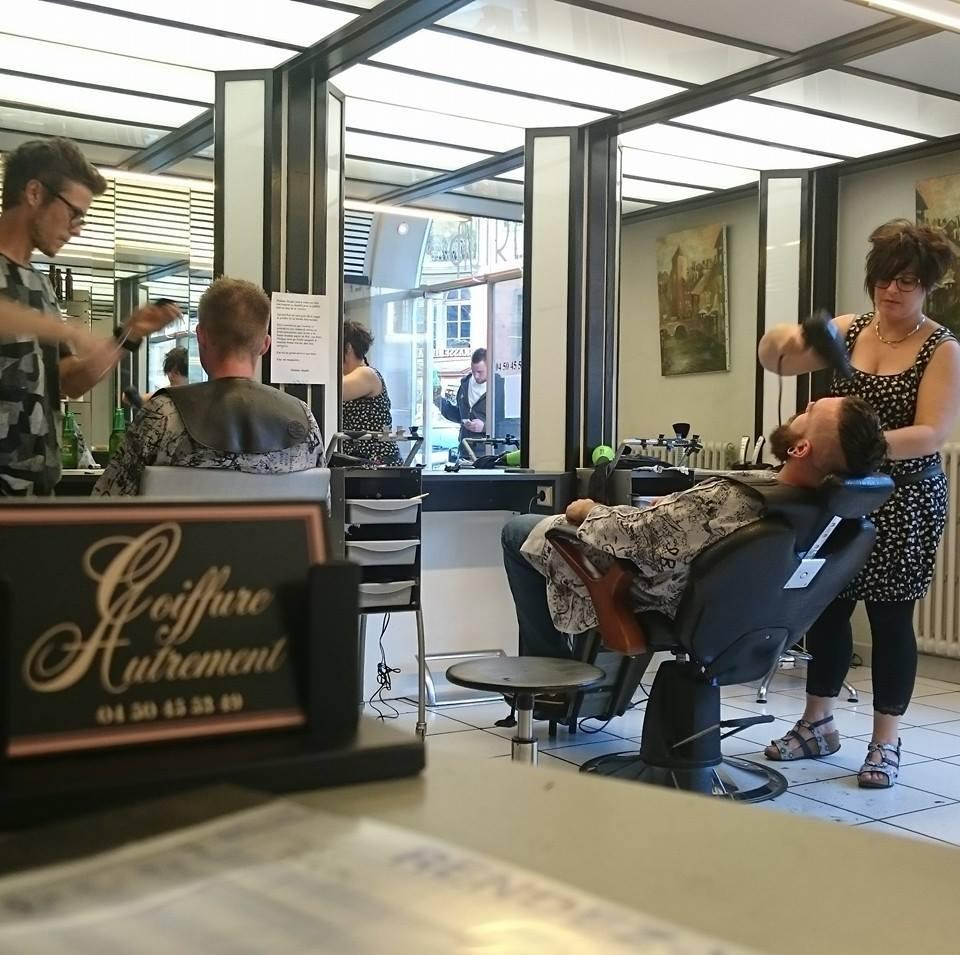 coiffure autrement coiffeur 6 rue du coll ge chapuisien. Black Bedroom Furniture Sets. Home Design Ideas
