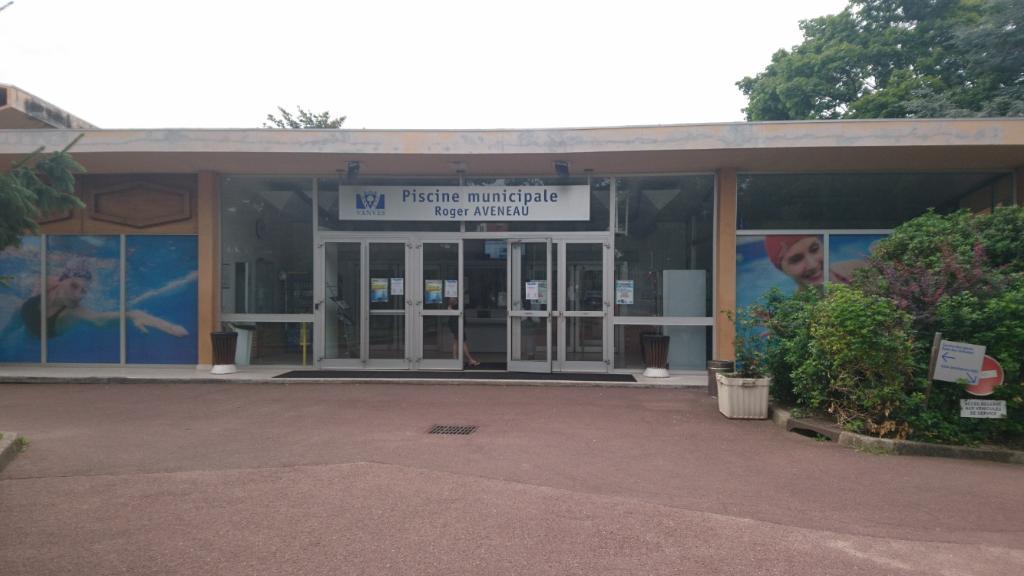Mairie piscine 12 rue larmeroux 92170 vanves adresse for Piscine vanves