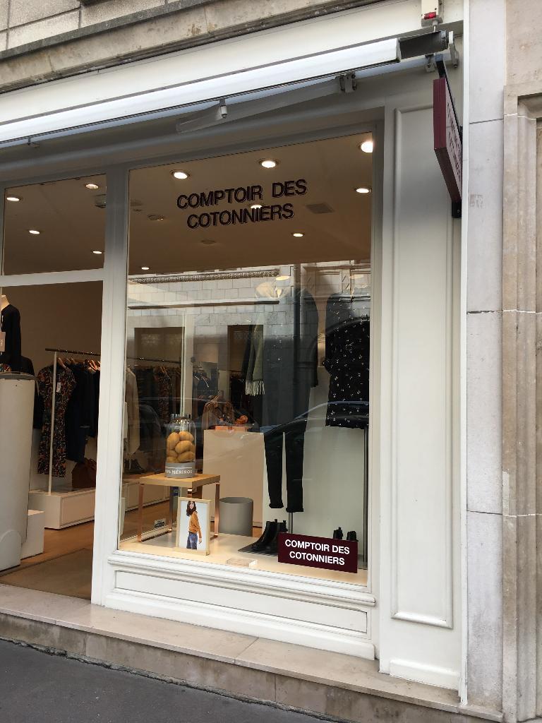 Comptoir des cotonniers v tements femme 11 rue charles - Place des tendances comptoir des cotonniers ...