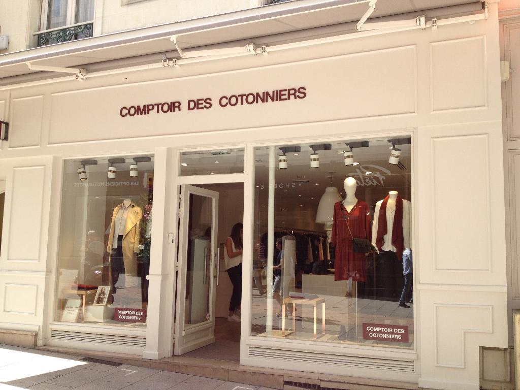 Comptoir Des Cotonniers 12 R Lenepveu 49100 Angers Magasins De