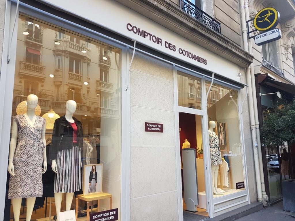 Comptoir Des Cotonniers 93 R Courcelles 75017 Paris Magasins De