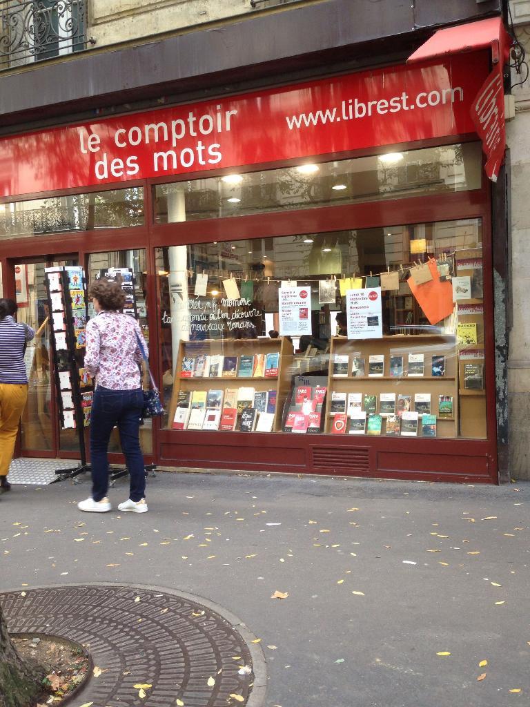Comptoir des mots librairie 239 rue pyr n es 75020 - Le comptoir des malletiers ...