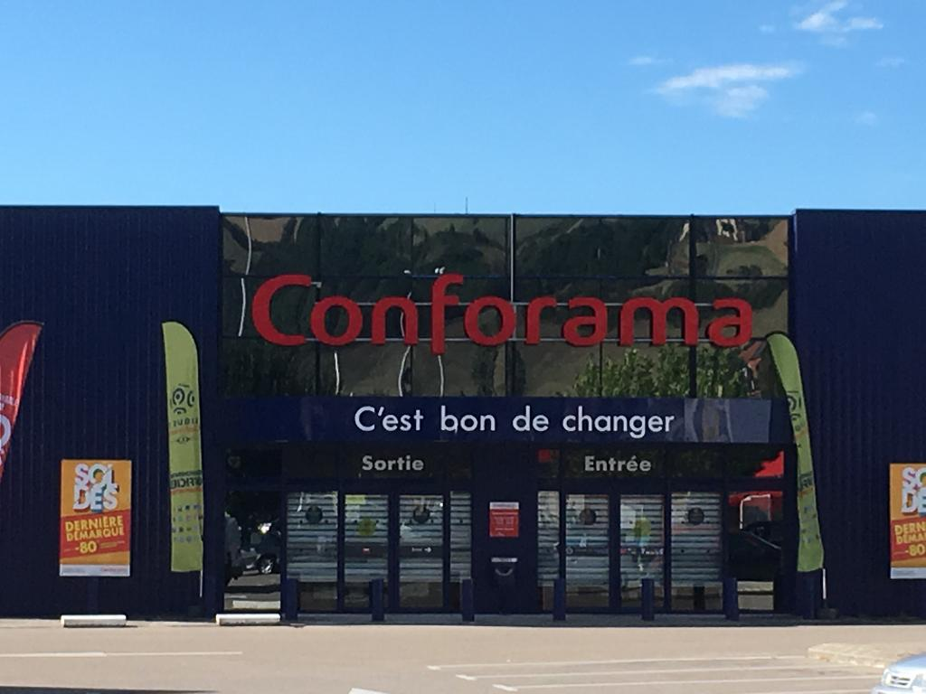 conforama magasin de meubles centre commercial cap du cr s 12100 millau adresse horaire. Black Bedroom Furniture Sets. Home Design Ideas