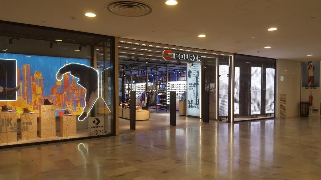 Foot Locker France - Magasin de sport, 45 rue de Rivoli 75001 Paris ...