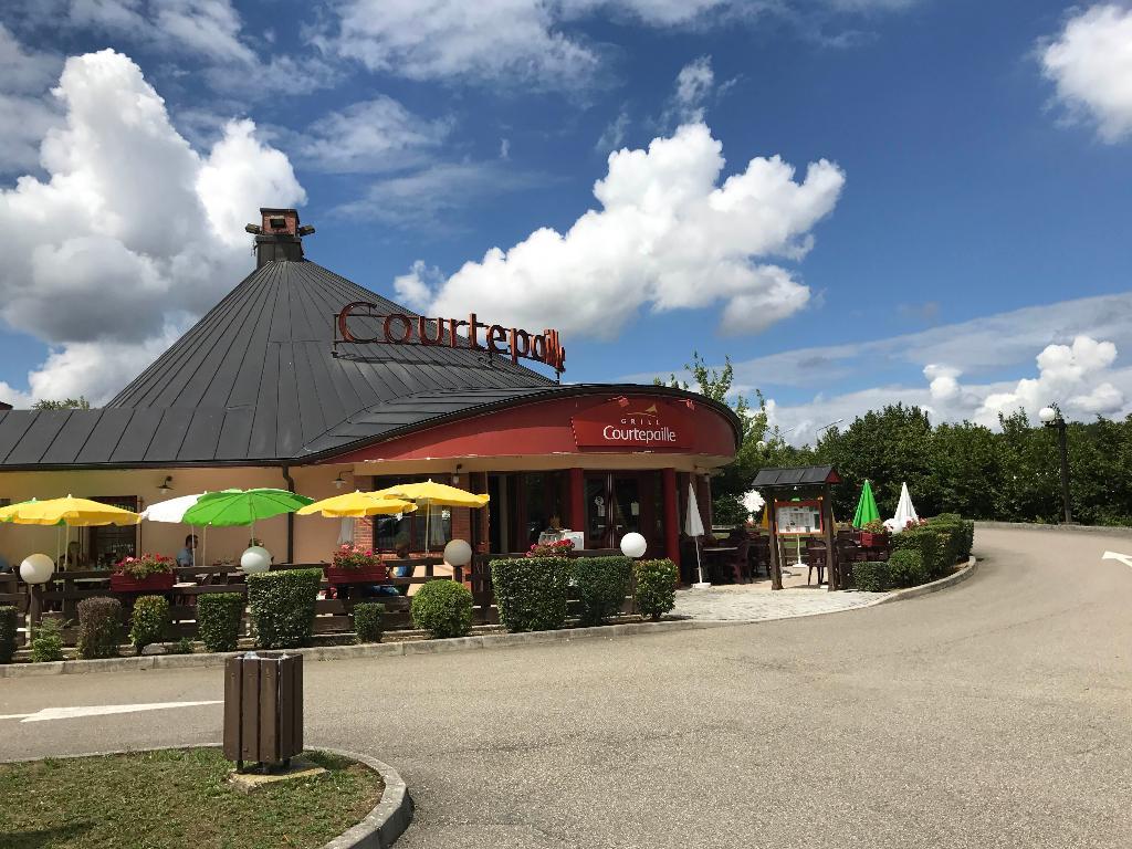 Courtepaille restaurant 2 rue louis aragon 25000 besan on adresse horaire - Restaurant la grange besancon ...