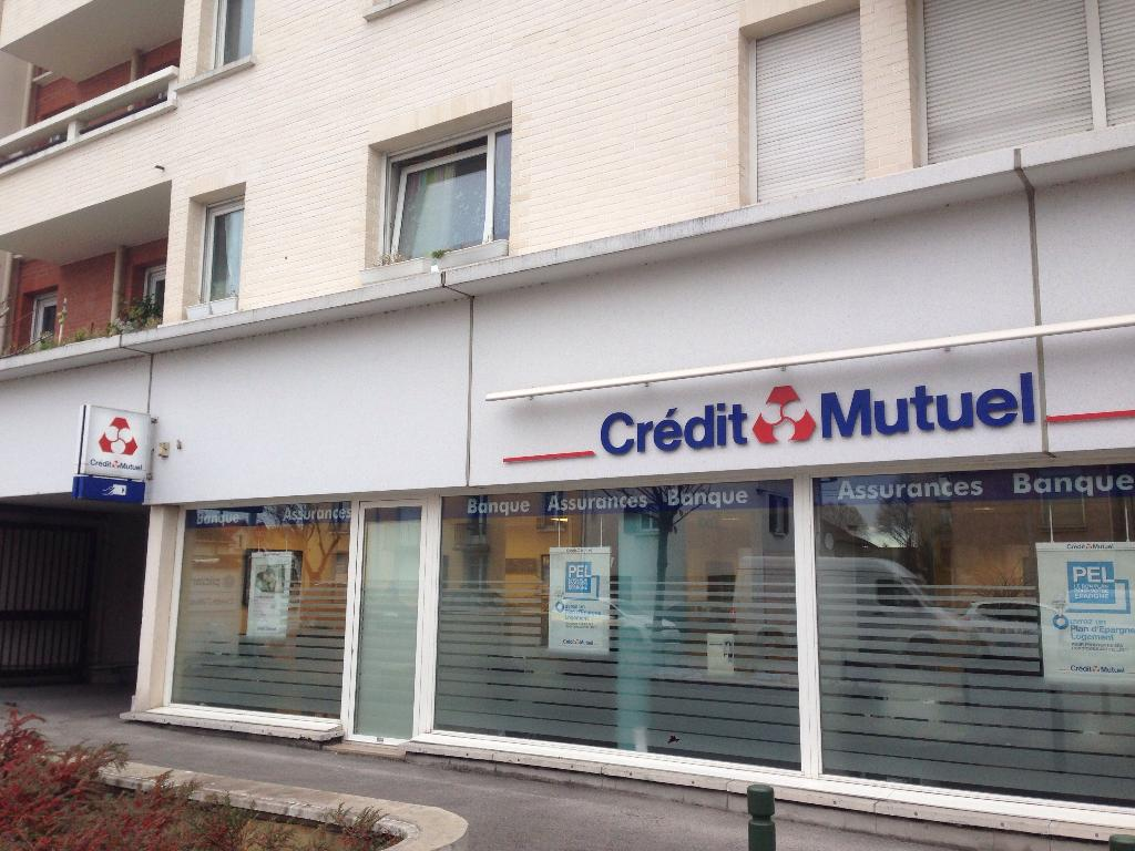 Credit Mutuel Banque 30 Rue Paul Et Camille Thomoux 93330 Neuilly