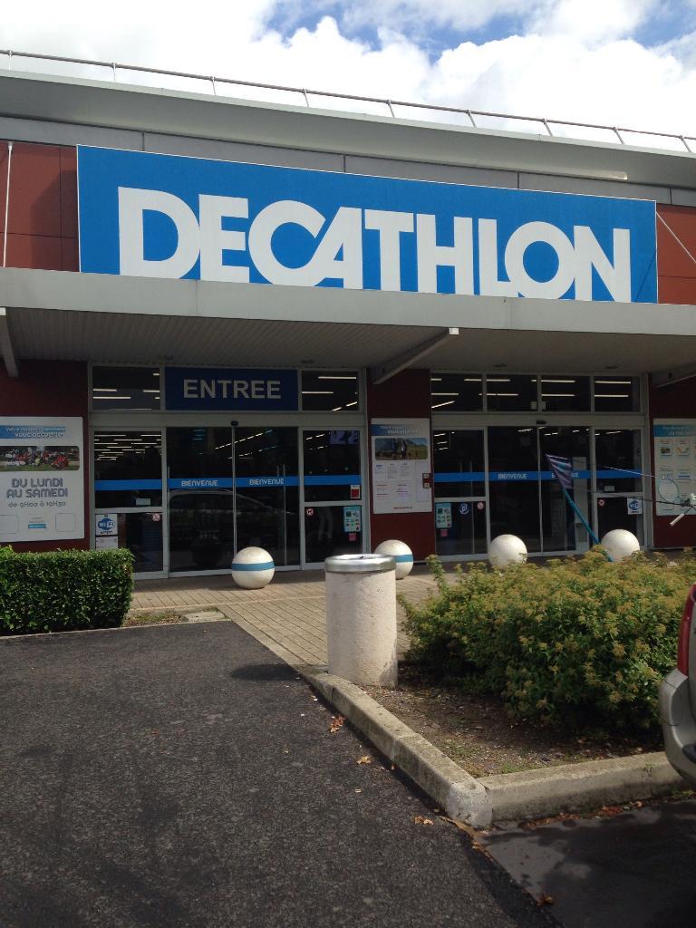 Decathlon magasin de sport rue gabriel fournery 43000 - Decathlon porte de montreuil horaires ...
