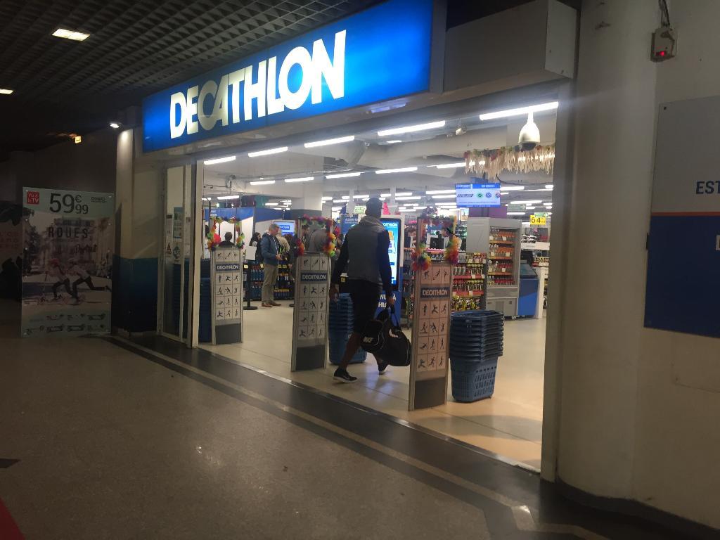 Decathlon magasin de sport 4 rue louis armand 75015 paris adresse horaire - Magasin ouvert dimanche 7 mai ...