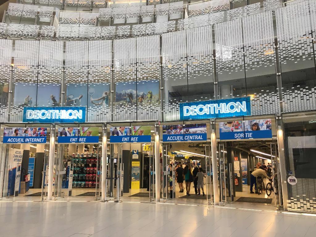 decathlon magasin de sport 2 place de la d fense 92800 puteaux adresse horaire. Black Bedroom Furniture Sets. Home Design Ideas