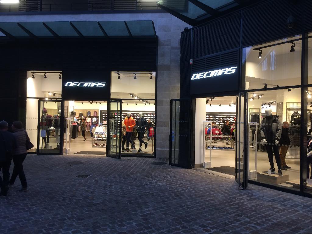 decimas france magasin de sport 8 avenue de peterborough 18000 bourges adresse horaire. Black Bedroom Furniture Sets. Home Design Ideas