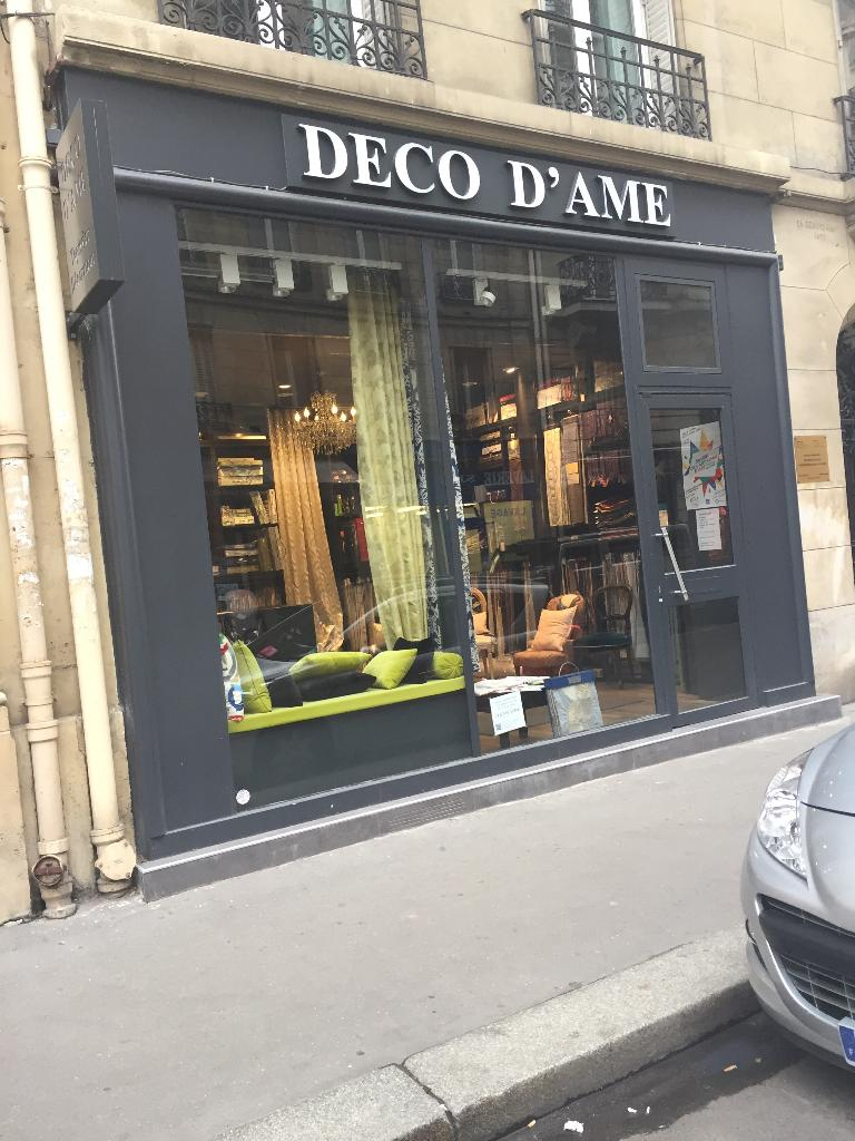 deco d 39 ame tapissier d corateur 18 rue saint ferdinand. Black Bedroom Furniture Sets. Home Design Ideas