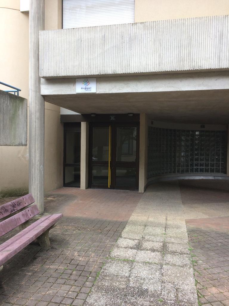 Designfolia magasin de meubles 16 rue quintaine 35000 rennes adresse horaire - Magasin de meubles rennes ...
