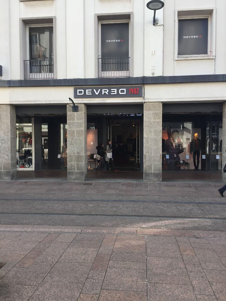 Vêtements 29200 Devred 54 Homme Siam Horaire Adresse Rue Brest qRvRxd
