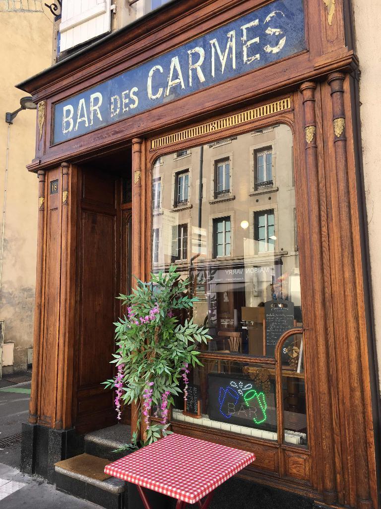 diluzio line caf bar 18 rue carmes 54000 nancy adresse horaire. Black Bedroom Furniture Sets. Home Design Ideas