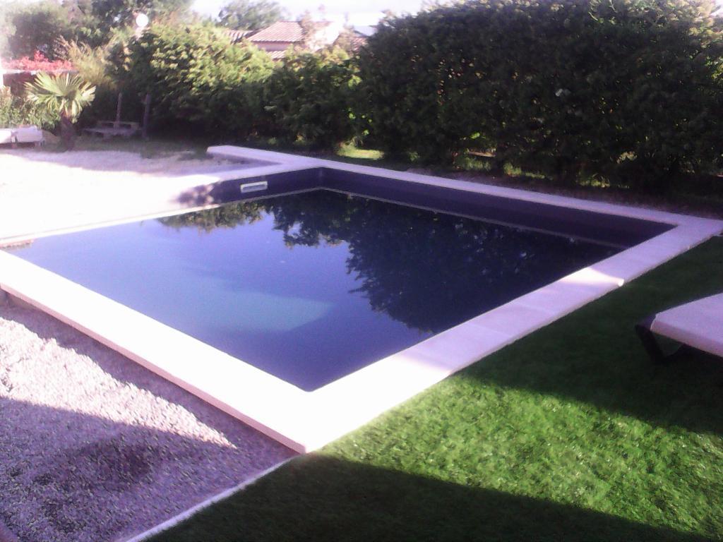 piscines ibiza construction et entretien de piscines 123 rue brillat savarin 11000. Black Bedroom Furniture Sets. Home Design Ideas