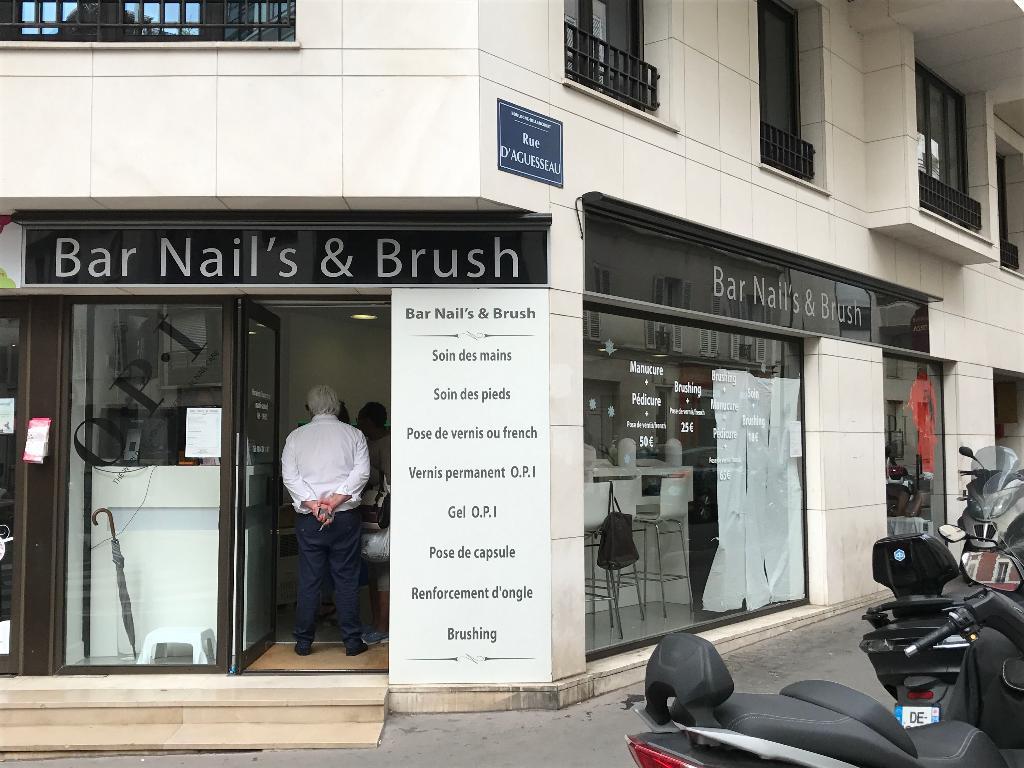 Bar nail 39 s brush coiffeur 39 rue escudier 92100 for Salon de coiffure boulogne billancourt