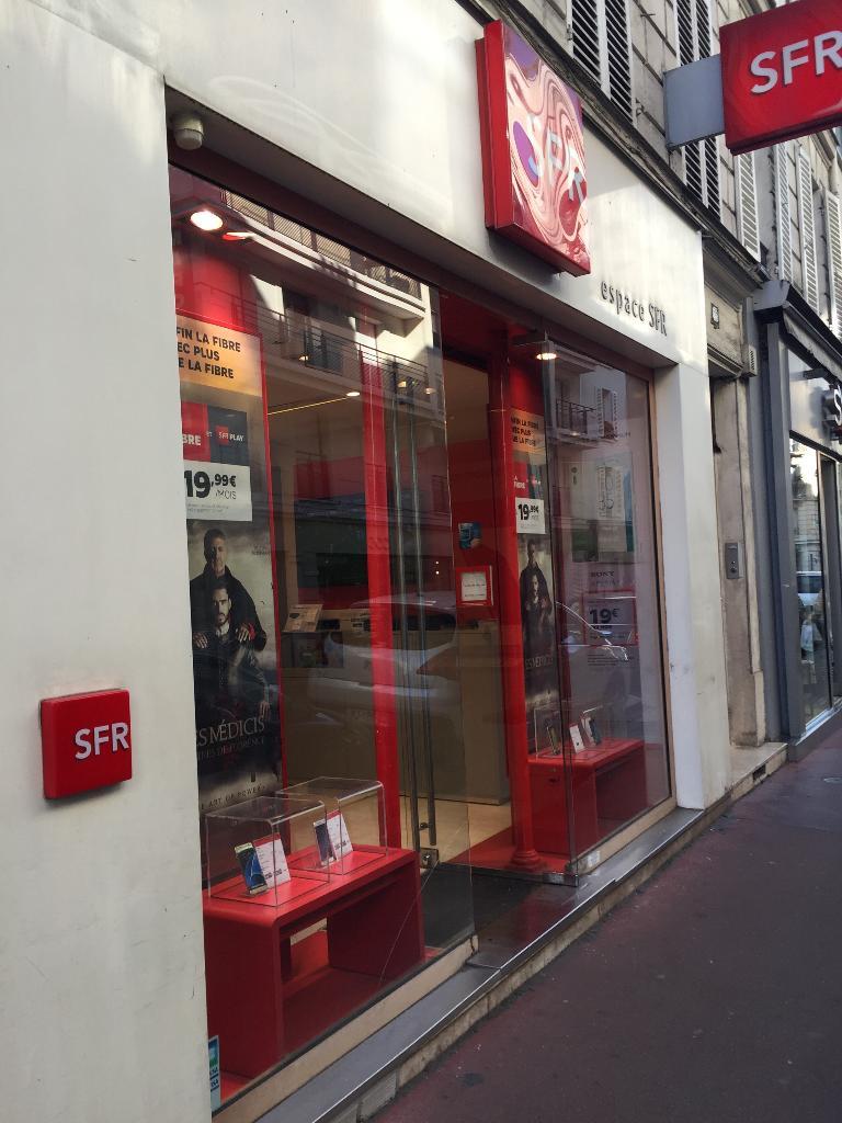boutique sfr vente de t l phonie 55 rue du pr sident. Black Bedroom Furniture Sets. Home Design Ideas