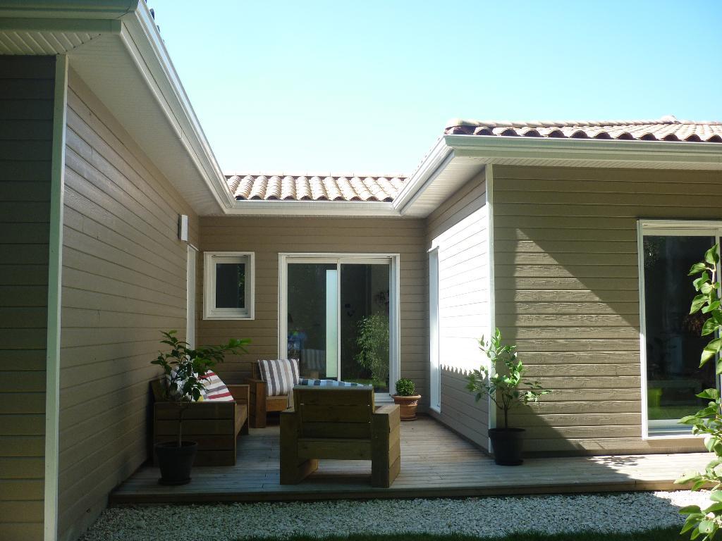 espritbois construction constructeur de maisons en bois. Black Bedroom Furniture Sets. Home Design Ideas