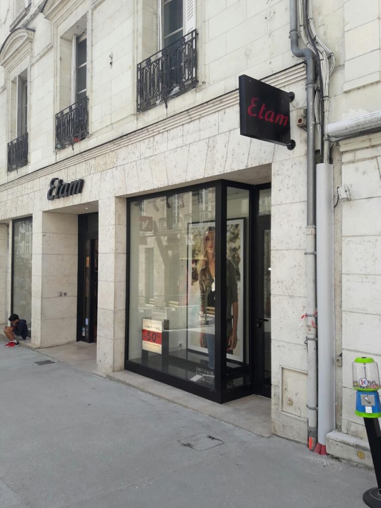 Etam pret a porter v tements femme 90 rue du commerce 41000 blois adresse horaire - Etam pret a porter marseille ...