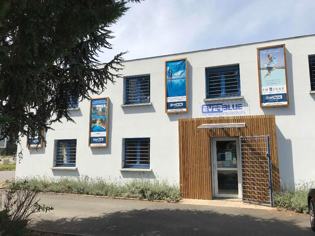 Everblue areva piscines distributeur construction et for Construction piscine 16