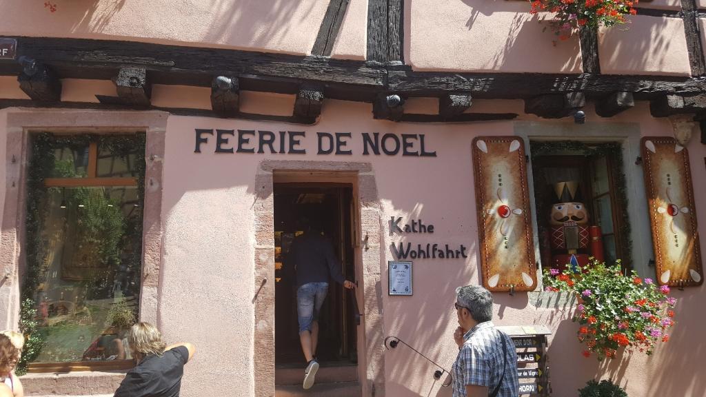 F erie de no l magasin de d coration 1 rue du cerf - Magasin de decoration de noel en belgique ...